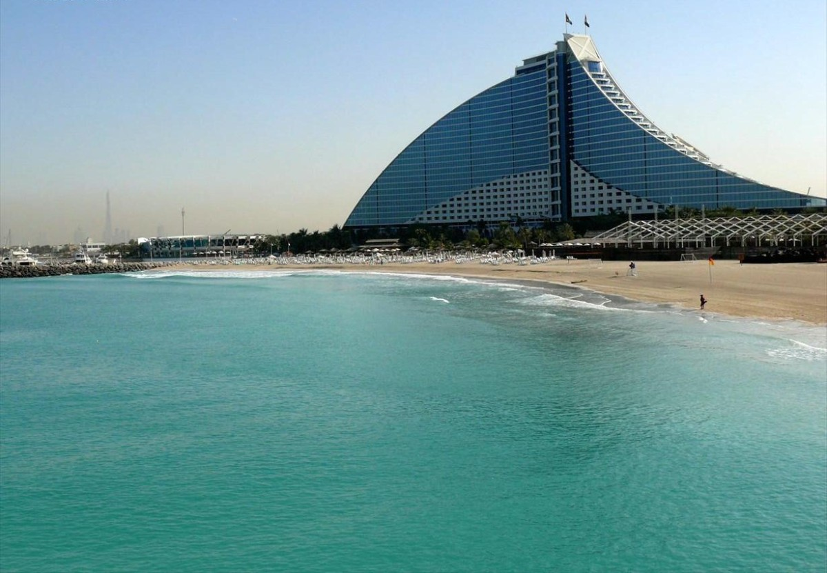 Dubai ideal place for tourism in the middle east cheap for Dubai beach hotels cheap